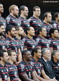 Photo officielle de l'équipe du Stade Toulousain 2013-2014. © Stade Toulousain #visiteztoulouse #toulouse #rugby