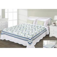 Prehoz na posteľ bielej farby s modrým motívom Bed, Furniture, Home Decor, Decoration Home, Stream Bed, Room Decor, Home Furnishings, Beds, Home Interior Design