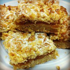 """מתכון """"עוגת תפוחים ופירורים ב-5 דקות"""" מאתר המתכונים של אסם בישולים ברשת."""