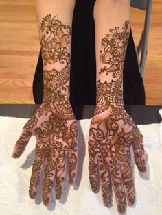 mehndi maharani finalist: Bridal Henna Artist http://maharaniweddings.com/gallery/photo/26969 @hennatattoo