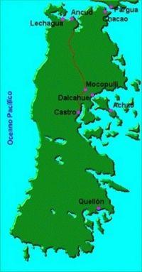 Mapa de la isla y vista del trazado del FC Ancud a Castro