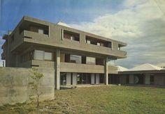 Hanaizumi Cooperative Union Hall, Nishi-Iwai District, Iwate Prefecture, Japan, 1964. http://fuckyeahbrutalism.tumblr.com/post/100427660088/hanaizumi-cooperative-union-hall-nishi-iwai