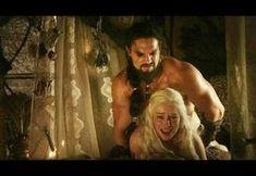 Emilia Clark : agacée par les critiques sur la nudité dans Game of Thrones Hd Movies, Film Movie, Horror Movies, Movies Online, Movies Free, Films, Khal Drogo, Daenerys Targaryen, Khaleesi