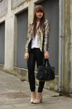 digging the simple white tee, black pants and tan booties. I can do this-- need a cool jacket, though.