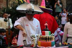Buddy cutting the Cinco de Mayo cake! Cake Boss Buddy, Carlos Bakery, Buddy Valastro, Baking, Wallis, Photo Credit, Cakes, Facebook, Friends