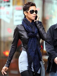 CHIC ON THE STREET photo | Halle Berry