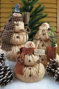 52 Ideas for crochet christmas decorations xmas Primitive Christmas, Country Christmas, Christmas Snowman, All Things Christmas, Winter Christmas, Christmas Holidays, Christmas Decorations, Christmas Ornaments, Snowman Ornaments