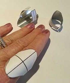 Saddle Ring Patterns - Nancy L T Hamilton Metal Clay Jewelry, Jewelry Tools, Copper Jewelry, Stone Jewelry, Wire Jewelry, Jewelry Rings, Jewelry Crafts, Handmade Jewelry, Jewelry Design