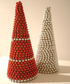 Tutorial on how to make easy beaded Christmas trees, using cardboard cones, beaded garlands, and a glue gun. Christmas Tree Beads, Christmas Tree Crafts, Handmade Christmas Decorations, Christmas Centerpieces, Simple Christmas, Beaded Garland, Christen, How To Make Beads, Cone Trees