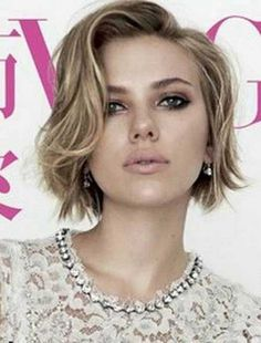 Scarlett Johansson Celebrities Short Hair