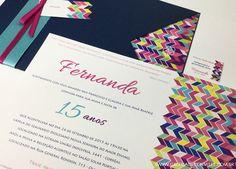 Convite de 15 anos. Convite de 15 anos inspirado na estampa Missoni. Convite de 15 anos em tons de azul, rosa, verde. Convite de 15 anos com laço tiffany.