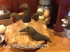 Primitive crow pie. Lovingly hand made by Olde Pear Primitives. Pattern by sweet meadows farm.