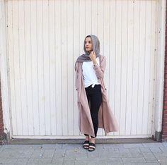 Hijab + Pink Coat + Knotted Shirt (perksofbeingsaara)