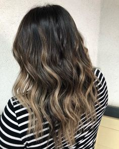 20 Remarkable Dark Ombre Hair Color Ideas for 2019 Dark Ombre Hair, Brown To Blonde Ombre, Red Ombre, Ombre Hair Color, Dark Hair, Blonde Ends, Ashy Blonde, Really Curly Hair, Caramel Ombre