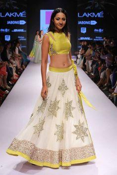 Anushree Reddy - Lakme Fashion Week 2015 So much pretty! This is why I love Lakme Fashion Week so much. Lehenga Choli, Anarkali, Patiala Salwar, Lehenga White, Bridal Lehenga, Lehenga Blouse, Tie Blouse, Indian Attire, Indian Ethnic Wear