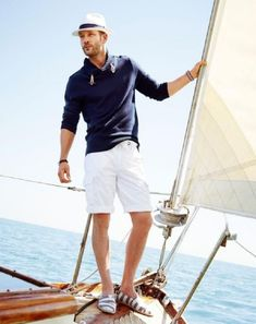 John Halls Models Nautical Styles for Simons Summer 2014 Look Book image john simons. By the way, I LOVE the shoes! Nautical Outfits, Nautical Fashion, Segel Outfit, Mode Man, Nautical Looks, Nautical Style, Neue Outfits, Sailing Outfit, Outfit Beach