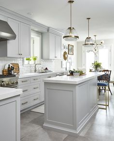 kitchen remodel Check out these gorgeous grey and white kitchen ideas to inspire your remodel! The grey and white kitchen: timeless, chic, yet simple. This color scheme is highly agree Diy Kitchen Remodel, Home Decor Kitchen, Rustic Kitchen, Home Kitchens, Long Kitchen, Small Kitchens, 10x10 Kitchen, 1970s Kitchen, Decorating Kitchen