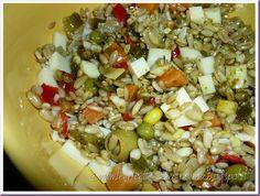 Le Ricette della Nonna: Insalata fredda d'avena con verdure, provolone e s... Salsa Verde, Bolognese, Grains, Food, Essen, Meals, Seeds, Yemek, Eten