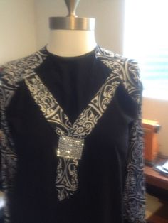 Black & White Abaya with Arbic Designs in Middle East | eBay