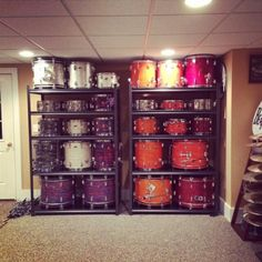 Great idea for drum storage and display. Found on DrumForumOnline. Home Recording Studio Setup, Home Studio Music, Music Room Organization, Drums Studio, Drum Shop, Band Rooms, Sound Studio, Stair Storage, Drum Kits