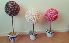 DIY : comment fabriquer un arbre à bonbons Buffet Dessert, Bar A Bonbon, Baby Shower, Organiser, Parents, Diy, Babyshower, Dads, Bricolage