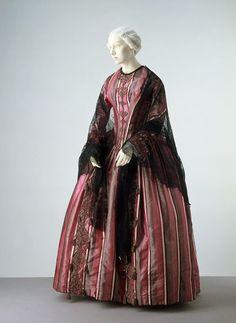 Historical Costume, Historical Clothing, Victorian Fashion, Vintage Fashion, Vintage Dresses, Vintage Outfits, Silk Satin Dress, Summer Dress, Civil War Dress