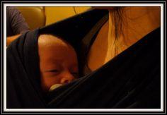 « La recherche de l'expérience dans les bras [note explicative : l'auteure parle du portage intensif des bébés dans leurs premiers mois de vie], comme les années passent et nous grandissons, prend beaucoup de formes.... Suite: http://mamanszen.com/le-bonheur-commence-avec-le-portage-et-le-travail-libre-de-l-enfant