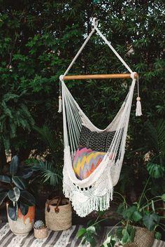 Crochet & Fringe Detailed Hammock Swing from Gunn & Swain Rope Hammock, Outdoor Hammock, Hammock Swing, Hammock Chair, Hammock Ideas, Crochet Hammock, Turquoise Throw Blanket, White Paint Pen, Outdoor Living Rooms