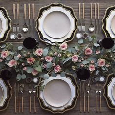 Setting the table at with our NEW Black + Gold Anna Weatherley Chargers! Paired with our White + Gold AW Dinnerware + Heath Ceramics in French Grey + Teak Flatware + Vintage Black Goblets + Antique Crystal Salt Cellars 💗 Beautiful Table Settings, Wedding Table Settings, Place Settings, Table Presentation, Decoration Table, Event Decor, Wedding Decorations, Wedding Centerpieces, Dining Table