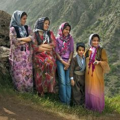 Kurdish Women in a magnificent Photo with traditional Outfits. Photographer: Payam Hesami