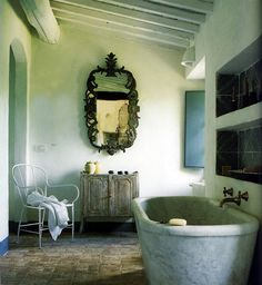 love this tub...under a beautiful window looking out on the vineyard...dreaming....