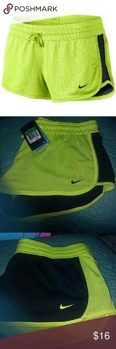 Nike reversible shorts neon yellow and black The new pair of Nike reversible shorts in size extra large Nike Shorts