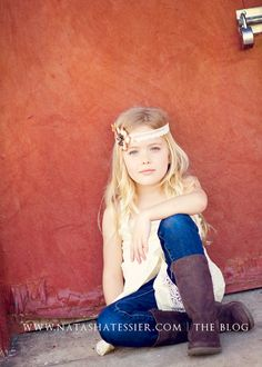 head-band/lacy top/jeans/boots = YES!