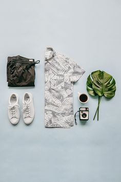 Bring on the spring sunshine in palm prints and jogger pants. Shop all new men's arrivals from Gap.