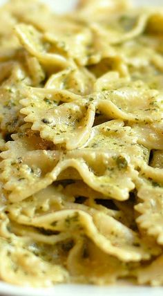 Creamy Pesto Pasta Recipe ~ This sauce is rich and creamy and so yum... Throw in some grilled chicken, shrimp or broccoli to change it up.