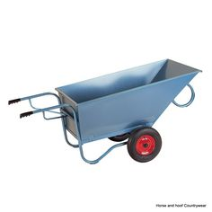 Stubbs Stable Barrow S106AS Light to handle due to its perfect balance Robust steel construction Blue enamelled Fitted with large 40cm