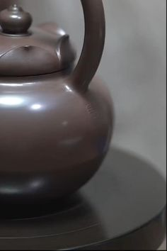 Ceramic Clay, Ceramic Pottery, Pottery Art, Pottery Videos, Pottery Tools, Ceramic Techniques, Art For Art Sake, Tea Bowls, Ceramic Artists