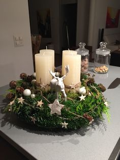 What Plants Can I Grow in a Jar? Sumcoco Creating a Rustic Winter Christmas Centerpiece can be easier than you think. Come see these creative ideas for creating your own Rustic Winter Centerpiece! Christmas Candle Decorations, Winter Centerpieces, Advent Candles, Candle Centerpieces, Centerpiece Decorations, Christmas Candles, Tree Decorations, Christmas Advent Wreath, Winter Christmas