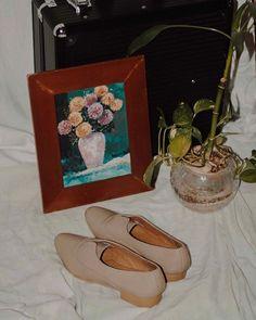 andanté (@andantefootwear) • Instagram photos and videos Chanel Ballet Flats, Oxford, Footwear, Slip On, Photo And Video, Videos, Photos, How To Wear, Instagram