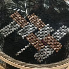 Bargello, Hand Embroidery Stitches, Diy And Crafts, Cross Stitch, Creative, Antalya, Instagram, Hand Embroidery, Punto De Cruz