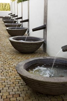 Vessel repetition water feature