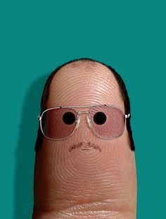 Portraits of Famous People on Fingers