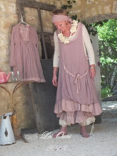 Les Ours d' Uzes: été 2013. I want to wander gardens wearing this...