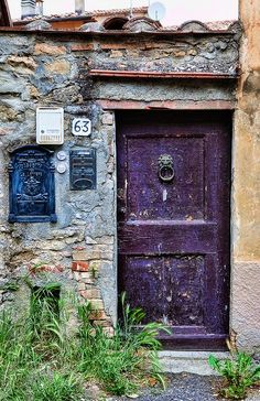 I love doors and letter boxes :) Volterra, Italy