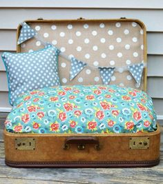 doll beds, sewing projects, old suitcases, travel pet, pet beds, dog beds, project ideas, dog fun, pet projects