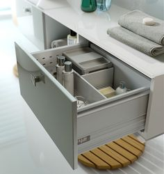 Ikon Gloss Azure Cube drawer