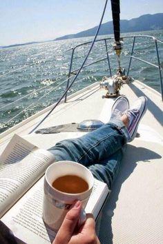 Disfrutar de unos de los placeres mas maravillosos, como lo son leer y disfrutar de la naturaleza.