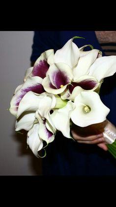Picasso & white calla lily bouquets
