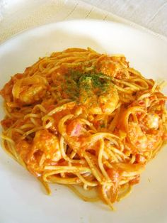 tomato cream pasta with shrimp Easy Delicious Recipes, Great Recipes, Healthy Recipes, Cafe Pasta, Japenese Food, Easy Cooking, Cooking Recipes, Cafe Food, How To Cook Pasta