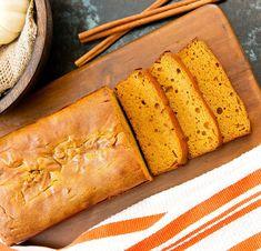 Budín de zapallo: una receta deliciosa (y con truco) para acompañar unos mates - Cienradios Pastry And Bakery, Spinach Dip, Hot Dog Buns, Muffin, Brunch, Favorite Recipes, Bread, Baking, Healthy
